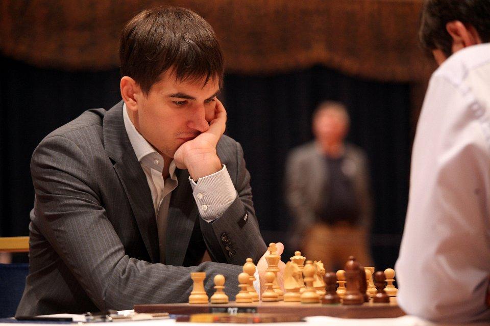 Dmitry Andreikin har spilt seg fram til semifinale, hvor han møter Evgeny Tomashevsky